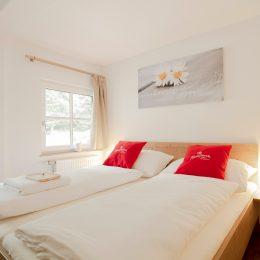 4 Bett Zimmer (Doppelbett und Stockbett)