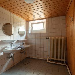 unsere Duschen im UG