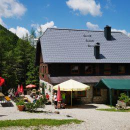 Rohrauerhaus mit gemütlichem Gastgarten